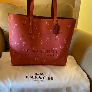 Brand new pink coach tote bag for Sale in Smithfield, RI