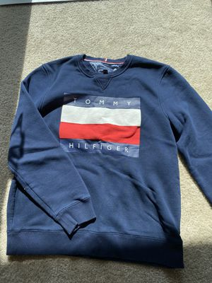 Tommy hilfiger sweatshirt for Sale in Las Vegas, NV