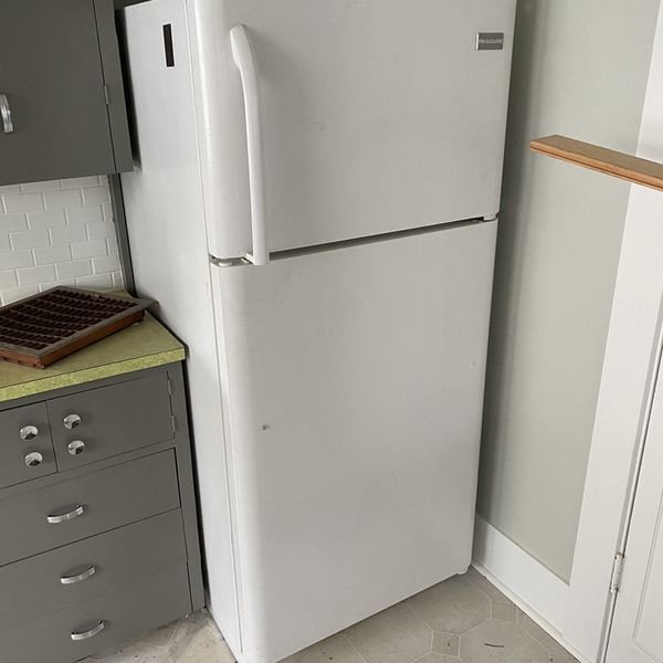FREE White Working Fridge - Has Been Claimed, If It Falls Thru I Will Contact Next In Line To Message