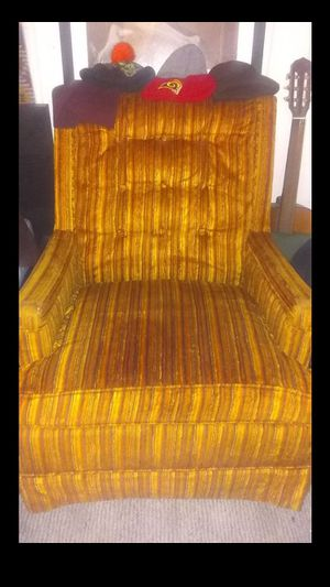 Antique chair for Sale in Pomona, CA