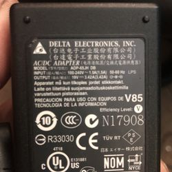 laptop charger toshiba satellite a135-s4427 for Sale in Aurora,  CO