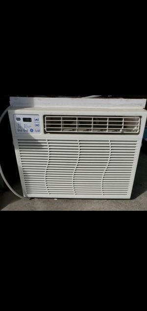 WINDOW AC AIR CONDITIONER for Sale in Hesperia, CA
