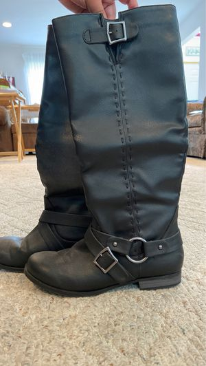 Woman's Size 8 tall black boots for Sale in Mentor, OH