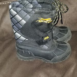 Arctic Cat Snow boots Sz 1 Kids for Sale in Fresno, CA