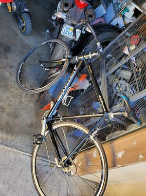 Cannondale road bike for Sale in Stockton, CA