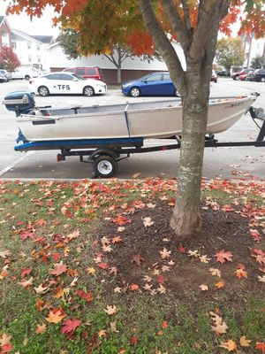 15 or 16 foot boat with good trailer and wheels for Sale in Spring Hill, TN