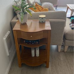 "Oak Side Table With Storage - 26""x18""x13"" for Sale in Seattle,  WA"