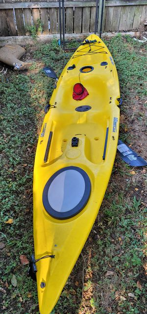 Fishing kayak with paddle for Sale in San Antonio, TX