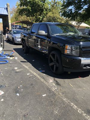 "2011 Chevy Silverado LS 3.5 with 19100000 miles on it runs like a champ new rotors and drums breaks all the way around music 26"" dubs balls clean pai for Sale in Sacramento, CA"