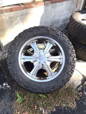Size 20 chrome rims for Sale in Hartford, CT