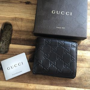 MEN'S BROWN LEATHER GUCCI WALLET for Sale in Camarillo, CA
