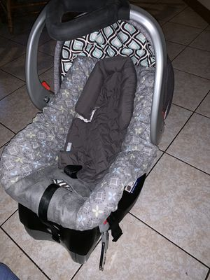 Infant Car Seat for Sale in Santa Maria, CA