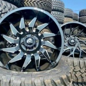 "22"" Fuel Wheels & Tires Deal • 22x10 Rims ( Saber or Runner) • 33x12.50R22 Kanati MT Tires • FREE Leveling Kit Only $2099 (Wheels and Tires) for Sale in La Puente, CA"