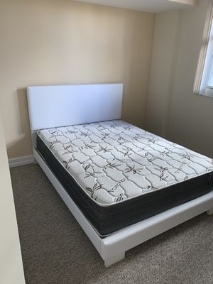 New white queen bed frame with the PLUSH mattress FREE DELIVERY and installation for Sale in Pembroke Pines, FL