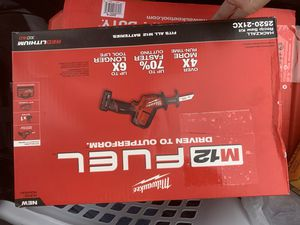 Milwaukee M12 Fuel 12-volt Lithium-ion Brushless Cordless Hackzall Reciprocating saw kit w/(1) 4.0ah batteries, charger, and tool bag for Sale in Chelmsford, MA