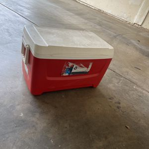 48 Quart Igloo Cooler for Sale in Tempe, AZ
