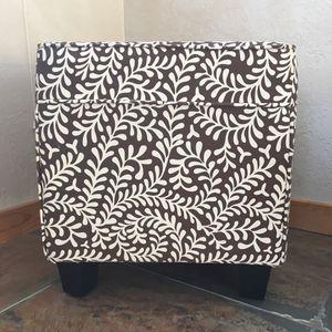 Cube ottoman / side table / stool for Sale in Millcreek, UT