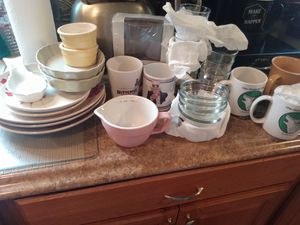 Free dish/cups for Sale in Tacoma, WA