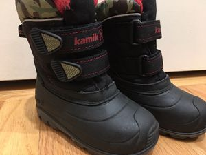 Kamik kids snow boots waterproof Size 8 toddler for Sale in Hoffman Estates, IL