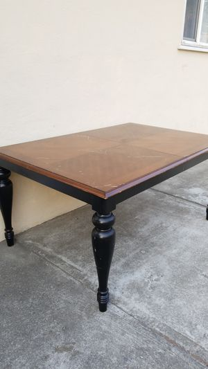 Dining table for Sale in Hayward, CA