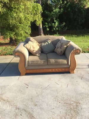~ LOVE SEAT ~ 🚗 DELIVERY AVAILABLE for Sale in Barefoot Beach, FL