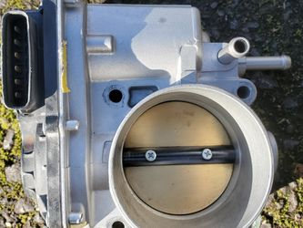Fuel Injection Throttle Body for Sale in Beaverton,  OR