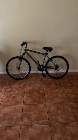 Mountain bike for Sale in Lake Worth, FL