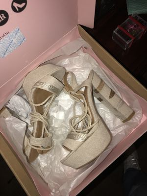 Heels Size 6 for Sale in Stockton, CA