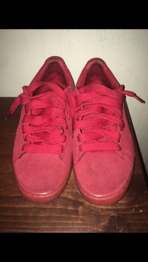Red Pumas (size 9) for Sale in Davie, FL