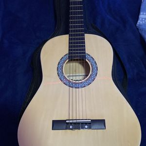 Acoustic guitar for Sale in The Bronx, NY