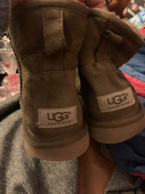 Women's uggs size 9 for Sale in Oakland, CA