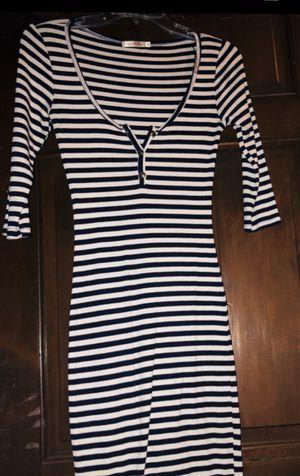 Women's Blue & white striped long dress for Sale in Mauldin, SC
