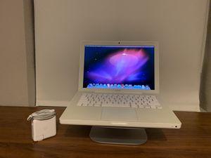 Apple Macbook 1,1 - Intel Core Duo - 2GB Ram - 100GB HDD - WiFi Ethernet FireWire DisplayPort DVD for Sale in Miami, FL