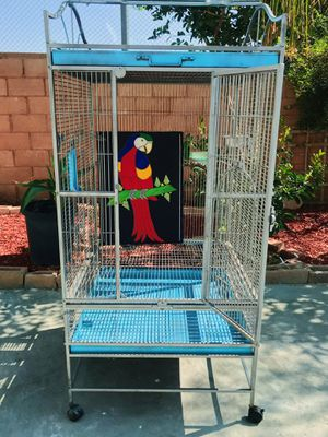 Parrot/Bird Cage: For your feathered companion ! for Sale in Beaumont, CA
