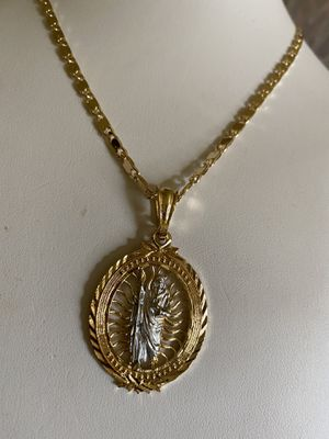BEAUTIFUL BIG MEDAL. OF SAINT JUDITAS AND BRAZILIAN LAMINATED GOLD PLATED CHAIN 14K GUARANTEED $ 35 PICK UP ONLY PLEASE for Sale in Riverside, CA