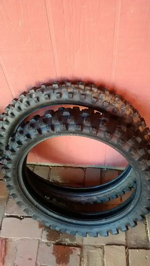 Dunlop geomax mx32 set tires for Sale in Hesperia, CA