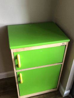 Vintage Line Green Night Stand/Side Table (Great As-Is Or For DYI) for Sale in Austin,  TX