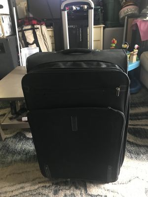 """Suitcase 32"""" tall for Sale in Oceanside, CA"""