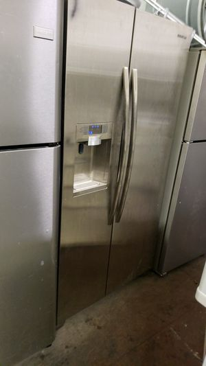 Samsung refrigerator for Sale in San Francisco, CA