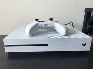 XBOX ONE 1T MINT CONDITION for Sale in Phoenix, AZ