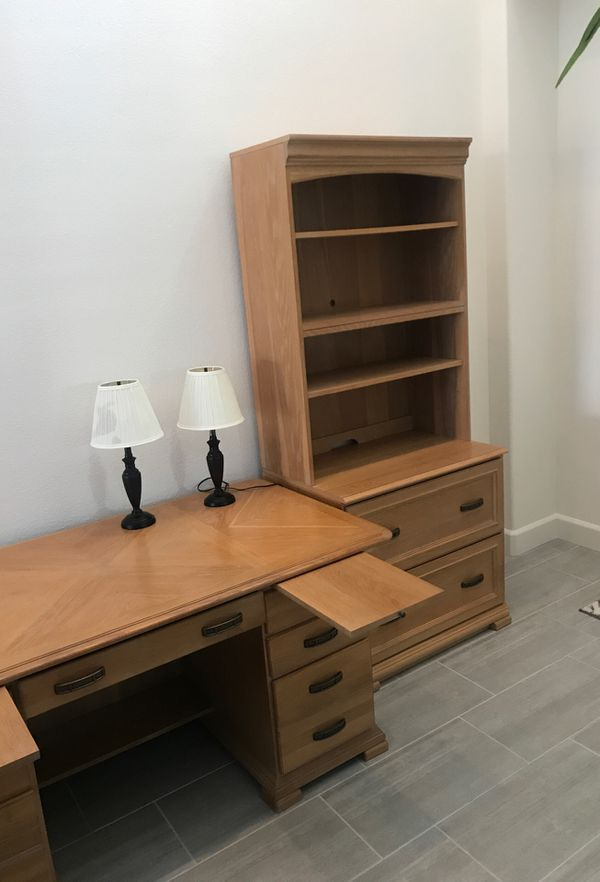 Professional Office Desk and Hutch with bookshelves
