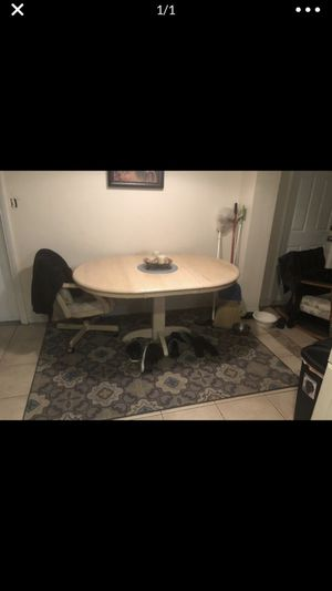 Kitchen table for Sale in Tarpon Springs, FL