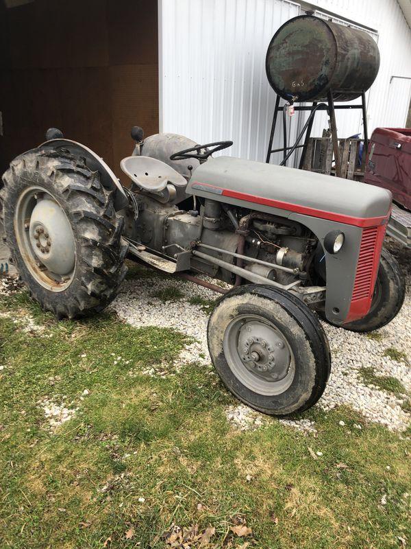 1953 Ferguson tractor TO-30.