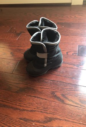 Kids Size 7 Snow Boots for Sale in Kensington, MD