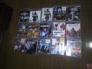 Ps3 console in very good condition with 1 remote control and 15 games for Sale in Queens, NY