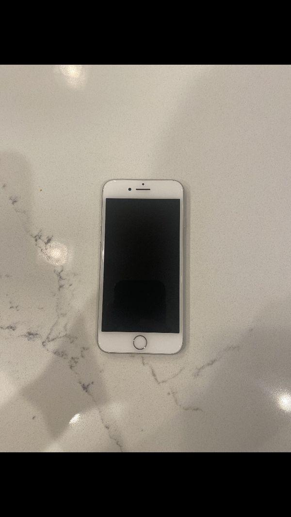 Iphone 8 (Unlocked Silver 64GB )