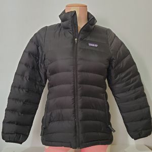 Patagonia Down Puffer Full Zip Jacket Girls Size M 10 Black for Sale in Brookfield, IL