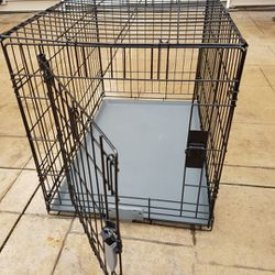 """Dog Crate 30""""L x 19""""W x 21""""H for Sale in Holmdel,  NJ"""
