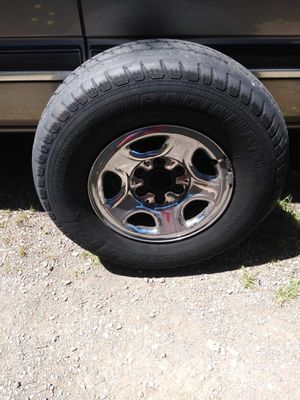 4 chrome rims for Sale in Enumclaw, WA