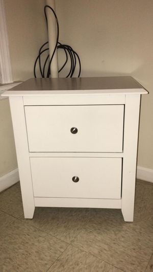 Bedside table $20 for Sale in Reading, PA